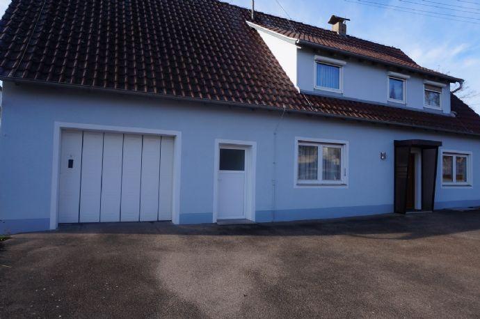 Freistehendes Wohnhaus mit schönem Eckgrundstück in Benzenzimmern/ Kirchheim am Ries