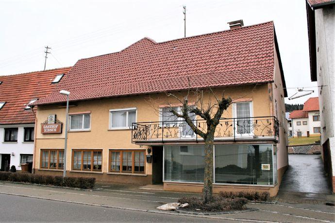 Großes Wohnhaus mit Gaststätte und Geschäftsraum