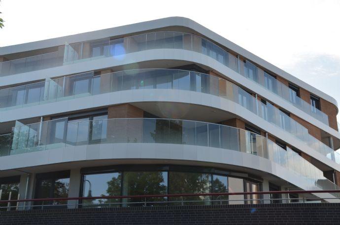 Erstbezug: exklusive große 3-Raum-Wohnung im Q326, großer Terrassengarten, unverbaubarer Blick Elbe