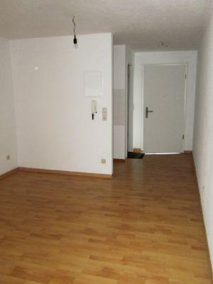 Wohnraum Blick zur Eingangtür