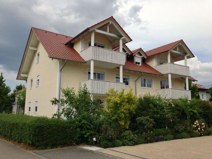 2 Zimmer Wohnung, Balkon / Kellerabteil / Pkw Stellplatz in Finkenstr. 33 Rain