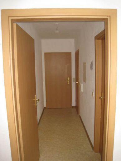 Balkon und  PKW-Stellplatz - Wohnung günstig gelegen