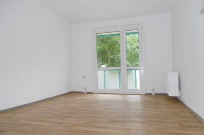 3 Zimmerwohnung mit Dusche und Balkon