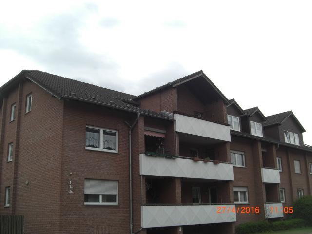 Gemütliche 3,5 Zimmerwohnung mit Balkon & Tiefgaragenstellplatz (Altstadt)