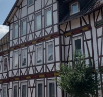 Mehrfamilienhaus aus der Jahrhundertwende mit Potenzial