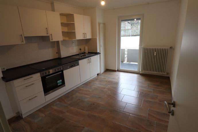 Schöne renovierte und helle 3 ZKB Wohnung in Pirmasens