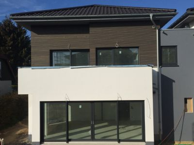 neubau attraktive maisonette wohnung in top lage von baunatal gro enritte maisonette baunatal. Black Bedroom Furniture Sets. Home Design Ideas