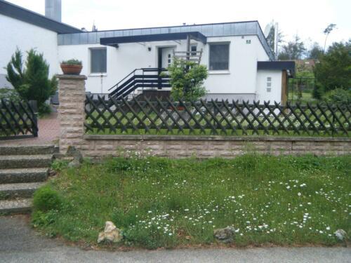 Haus mit großem Grundstück und Einliegerwohnung