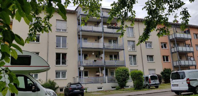 vermietete Wohnung in ruhiger Lage mit schönem Balkon