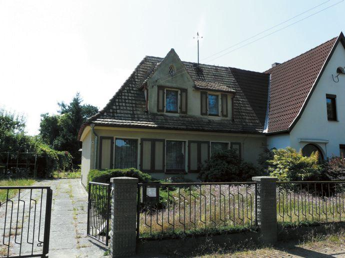 Doppelhaushälfte in Forst zu verkaufen !