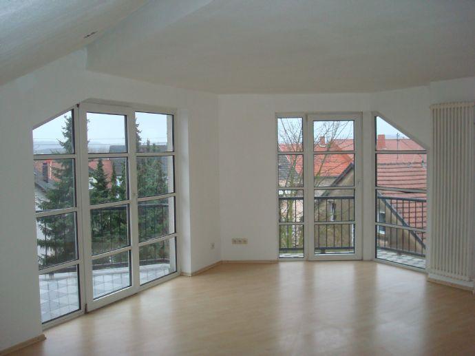 5 Zimmer Küche Bad 2. OG.und 3 x Balkon