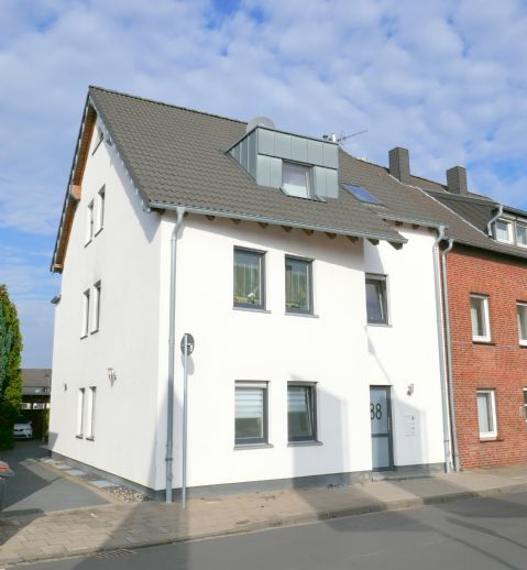 Dreifamilienhaus in Grevenbroich-Wevelinghoven!