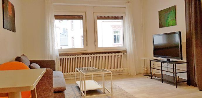 Neu renovierte 2 Zimmer Wohnung im Herzen von Sachsenhausen, 200m zum Main
