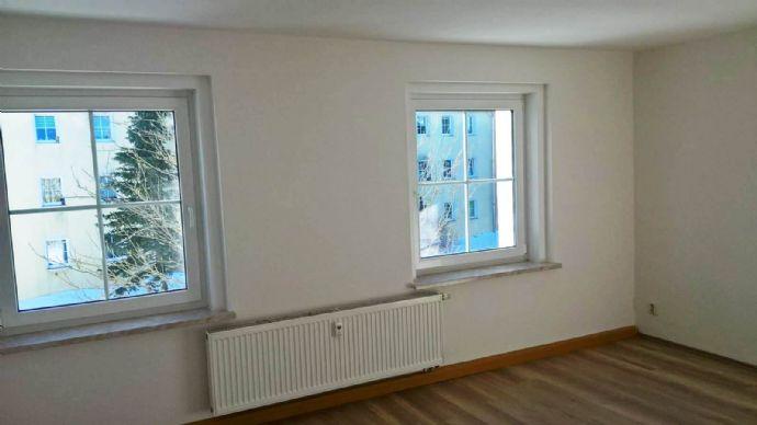 Renovierte 5-Raum-Wohnung im 2. Obergeschoss