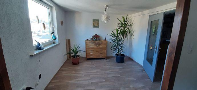 5 Zi-MAISONETTEN-WOHNUNG incl. Gaststätte im sanierten Fachwerkhaus - Lautertal (Odw./Bergstraße) - Provisionsfrei vom Eigentümer