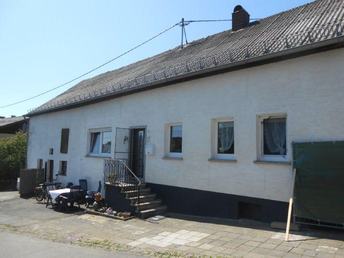 Hübsches und renoviertes ehem. Bauernhaus (Einhaus) in ruhiger Ortslage