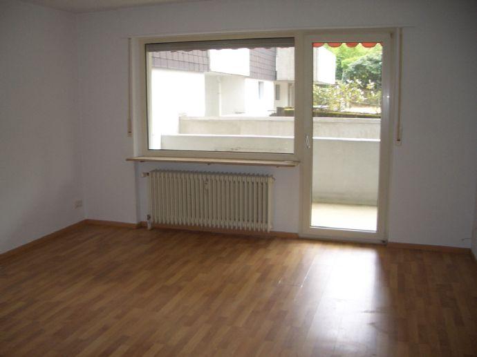RS-Lüttringhausen, Timmersfeld, Wohnberechtigungsschein erforderlich, 3 Zimmer KDB, Balkon