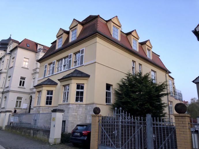 Kapitalanlage oder Eigennutz - 2-RW in gründerzeitlicher Villa mit Einbauküche!