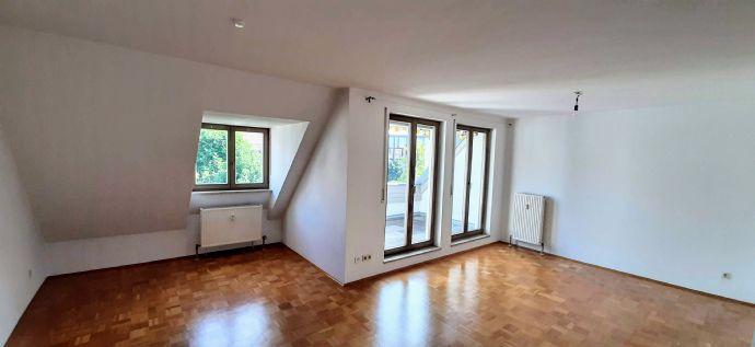 3 5-Raum-Wohnung mit Balkon ab