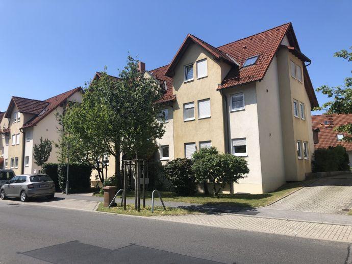Sie können sofort einziehen - komplett renovierte Wohnung mit traumhafter Terrasse wartet