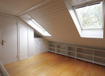 doppelhaush lfte mit tiefgaragenstellplatz in bestlage in klein flottbek doppelhaush lfte. Black Bedroom Furniture Sets. Home Design Ideas
