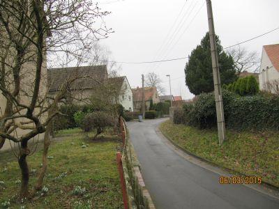 Blick v. Hausgarten auf d. benachbarten Bauernhäus