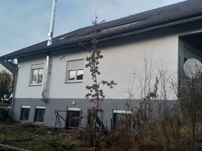 Großes EFH nähe Landshut mit Garten. In Adlkofen Provisionsfrei