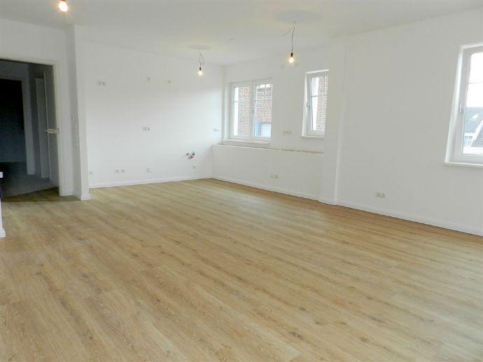 Noch zentraler ist nur die Kirche -  3-Zimmer-Neubau-Wohnung im 1. OG!