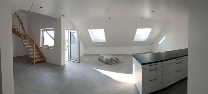 Wunderschöne 3,5 ZKB Maisonett-Wohnung mit großer Dachterrasse in Huttenheim