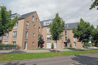 5 Zimmer - 1 Küche - 2 Balkone - 2 Bäder/WC im 2. OG und DG + TG-Stellplatz KfW60, Erdwärmepumpe, Waschküche, Fahrradkeller, ...