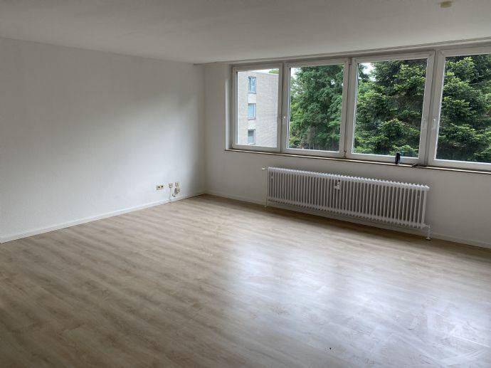 Lichtdurchflutete 2 Zimmer Wohnung im Herzen von Krefeld! Nur mit WBS!