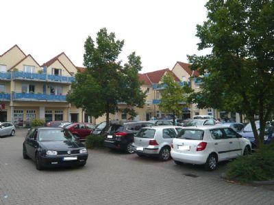 Parkplatz vor dem Objekt
