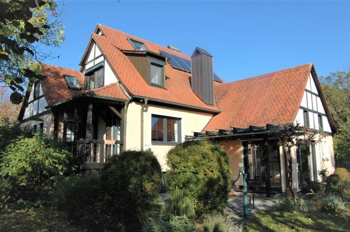 Architektenhaus mit Traumgarten in sonniger Bestlage von Spalt
