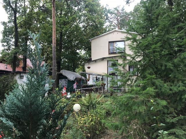 Baugrundstück mit Abriss für Doppelhaus in ruhiger Waldsiedlung in Radebeul