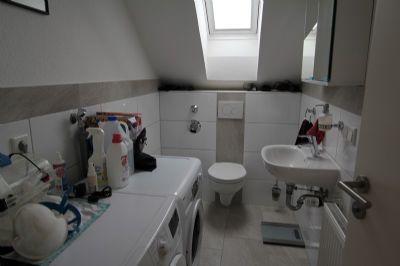 neuwertige dachgeschoss wohnung in kleiner anlage wohnung. Black Bedroom Furniture Sets. Home Design Ideas