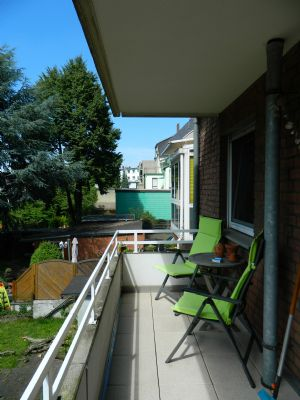 nikolic immobilien helle moderne wohnung im 3 parteien haus mit balkon wohnung duisburg. Black Bedroom Furniture Sets. Home Design Ideas