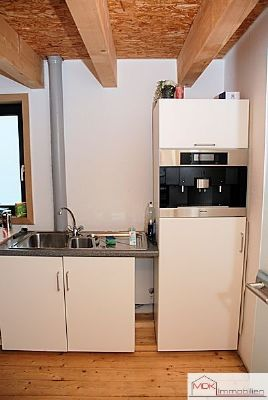 Küche im Zwischengeschoss ...