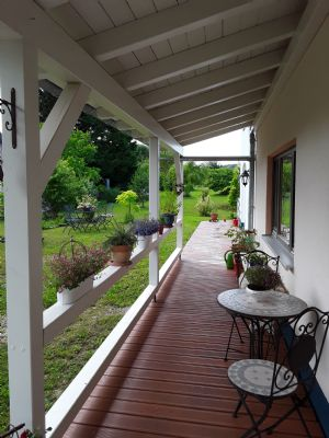 Schönes, helles Einfamilienhaus, (ca.1400 qm) sonniger Garten (auf Wunsch mit Bauplatz 1600 qm, Ortsrandlage)