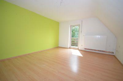 Schlafzimmer mit Schrankstellfläche