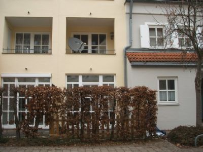neuwertige terrassenwohnung in neutraubling g rtnersiedlung terrassenwohnung neutraubling 2c5c34h. Black Bedroom Furniture Sets. Home Design Ideas