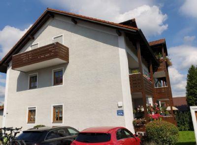 Gepflegte 1-Zimmer-Wohnung mit großem Balkon und Einbauküche
