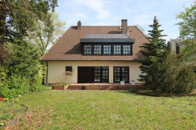 Villa in Seligenstadt - renoviert - großer Garten - Platz für die ganze Familie