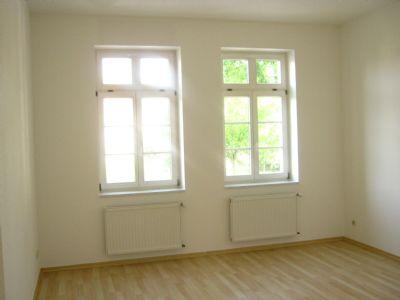 Fenster im gr. Zi. zur Str.-seite