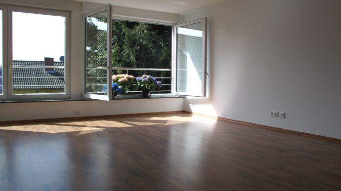 Helle, ruhige Komfortwohnung in zentraler Lage sucht nette Mieter- Gartennutzung erwünscht (Möhnesee- Körbecke)