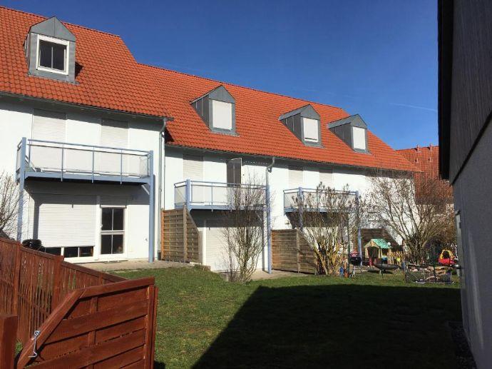 Vermietetes Reihenhaus mit Garten und Garage