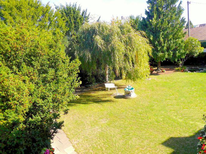 Repräsentatives, großzügiges Anwesen mit herrlichem Garten in Bad Hönningen