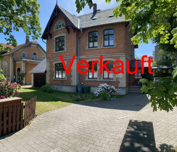 SCHWEIZER BAUSTIL - EINE ARCHITEKTUR ZUM VERLIEBEN