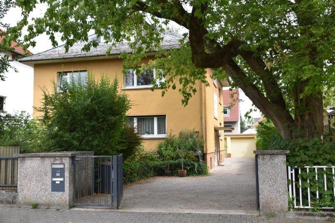 Reserviert: Schönes Mehrfamilien-Wohnhaus mit großem Garten