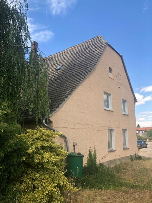 Haus mit tollem Grundstück zum Sanieren