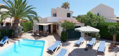 Gemütliches mediterranes Ferienhaus mit eigenem Pool, Terrassen und Grill
